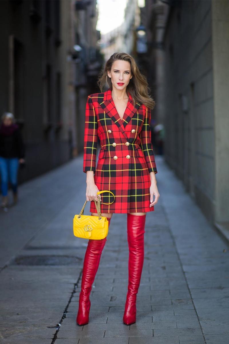 29a4161cf2 Si te gustan los colores vibrantes un blazer dress con estampado tartán es  una opción maravillosa